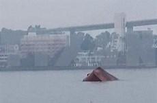 广宁省下龙海域船舶碰撞事故:成功救起4名船员并找到船长尸体