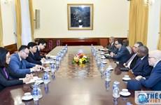 越南外交部副部长阮国强会见非洲各国驻越大使