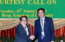 越南国会秘书长兼国会办公厅主任阮幸福会见柬埔寨国会秘书长