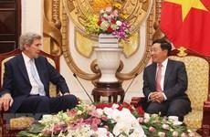 美国前国务卿约翰•克里来越出席2019年越南经济论坛