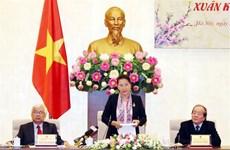 越南国会主席阮氏金银会见文艺工作者