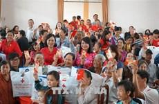 胡志明市爱心企业情系困难群众开展新春送温暖祝福