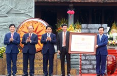 阮春福出席玉回-栋多大捷230周年纪念典礼