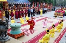 上香缅怀妪姬国母的功德