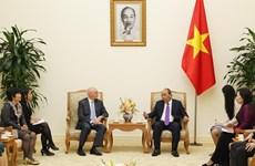 越南政府总理阮春福会见国际货币基金组织驻越办事处首席代表