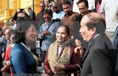 邓氏玉盛会见出席越南文学推介国际会议暨国际诗歌联欢会代表团