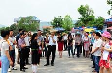 坚持增加国际游客到访量和提升旅游收入两手抓