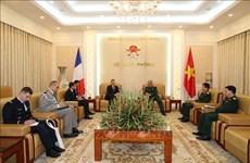 加强越南与法国的防务合作