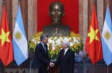 阿根廷共和国总统圆满结束对越南进行的国事访问