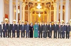 越共中央总书记、国家主席阮富仲同柬埔寨国王诺罗敦·西哈莫尼举行会谈