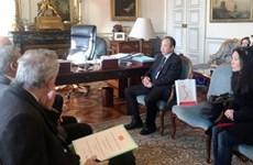进一步加强越南各省市与法国马赛市之间的合作关系