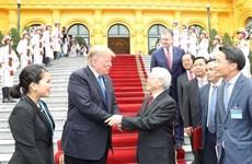 越共中央总书记、国家主席阮富仲与美国总统特朗普会谈