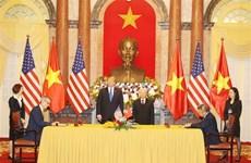 越南多家航空公司与美国世博国际、波音签署合作协议