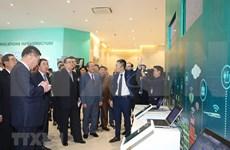 朝鲜劳动党代表团参观丹淮合作社兰花种植模式