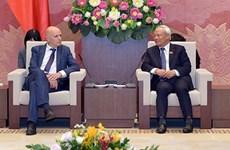 越南国会副主席汪周刘会见比利时-越南友好议员小组代表团