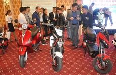 越南首辆国产环保电动车亮相