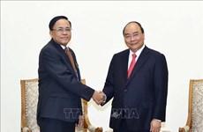 越南政府总理阮春福会见缅甸国际合作部部长吴觉丁