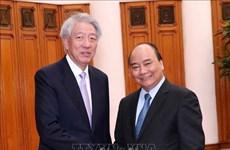 政府总理阮春福会见新加坡副总理张志贤