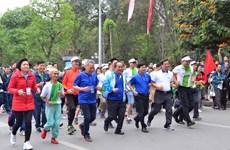 全民健身奥林匹克长跑日吸引8千人参加