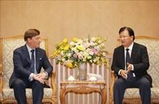 政府副总理郑廷勇会见澳大利亚麦格理资本公司总经理