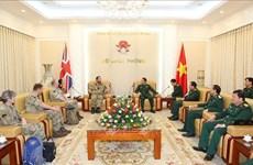 越南与英国加强维和部队的军医合作