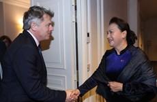 越南国会主席阮氏金银会见法国共产党全国书记法比安鲁塞尔