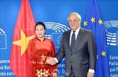 越南国会主席同欧洲议会主席安东尼奥·塔亚尼举行会谈