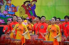 耶府庙会热闹开场 四面八方游客踊跃参加