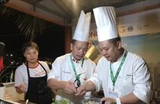 会安特色菜肴给国内外游客留下深刻印象