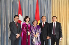 旅居瑞士越南人社群恰逢雄王祭祖日举行见面会