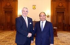 阮春福总理会见罗马尼亚总统克劳斯·约翰尼斯