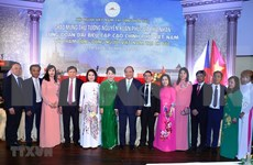 阮春福总理:旅捷越南人社群是团结互助与情系家乡的好榜样
