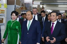 阮春福总理会见捷克和摩拉维亚共产党主席   圆满结束对捷克进行的正式访问