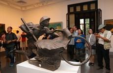 越南多地举行活动庆祝奠边府战役胜利65周年