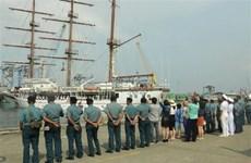 """越南海军""""黎贵惇"""" 286训练帆船圆满结束对印度尼西亚的访问"""