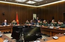 防务合作推动越南与加拿大全面伙伴关系更趋丰富
