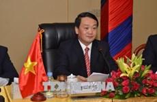 越南与新加坡加强民间和文化交流