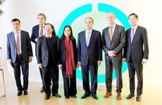 胡志明市代表团了解荷兰创新技术解决方案