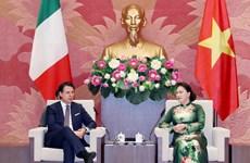 国会主席阮氏金银会见意大利总理朱塞佩·孔特