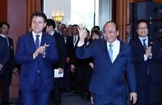 越南政府总理和意大利总理朱塞佩·孔特共同主持意大利-东盟企业论坛