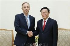 政府副总理王廷惠会见耐克公司副总裁Chris Helzer