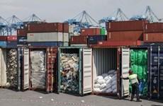 印度尼西亚和马来西亚将装满垃圾的集装箱退回美国