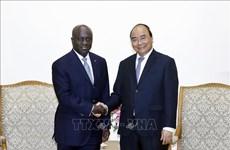 越南政府总理阮春福会见科特迪瓦外交部长马塞尔·阿蒙·塔诺
