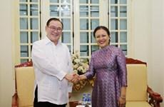 越南与菲律宾推动两国民间友好交流