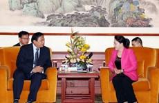 国会主席阮氏金银会见中国企业领导代表
