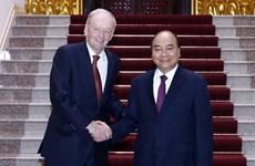 越南政府总理阮春福会见加拿大前总理克里纯