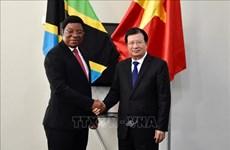 越南政府副总理郑廷勇会见坦桑尼亚总理马贾利瓦