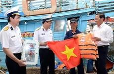 西贡新港总公司为槟椥省渔民举行宣传和助民的活动