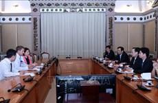 胡志明市与英特尔集团加强合作共促发展