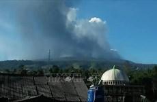 印尼万隆覆舟火山喷发